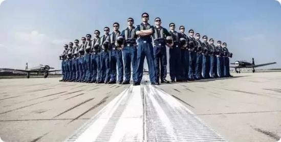 中国海军多型飞行装备亮相  5分20秒招飞宣传片曝光首次开招女飞