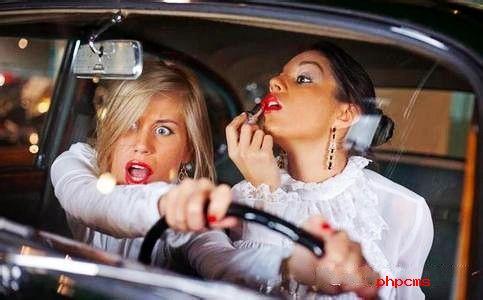 沈阳现女神停车位有人点赞也有人反对  女性专用停车位到底该不该设