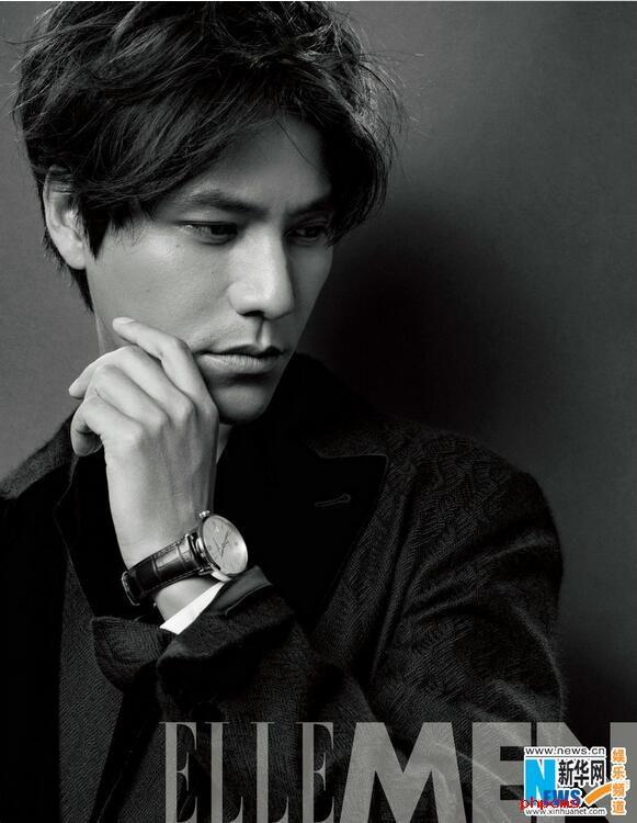 陈坤登杂志开年封  羊毛法兰绒宽条纹西装出镜尽显男神优雅与从容