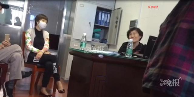 多名接受生物疗法患者及家属到武警二院要求退款